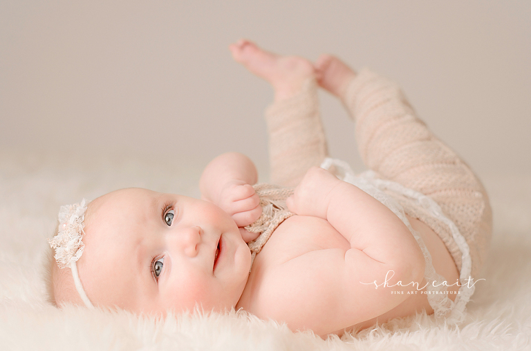 Sacramento baby photographer 5 month photoshoot shan cait sacramento newborn photographer